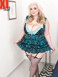 wifeandstockings.com